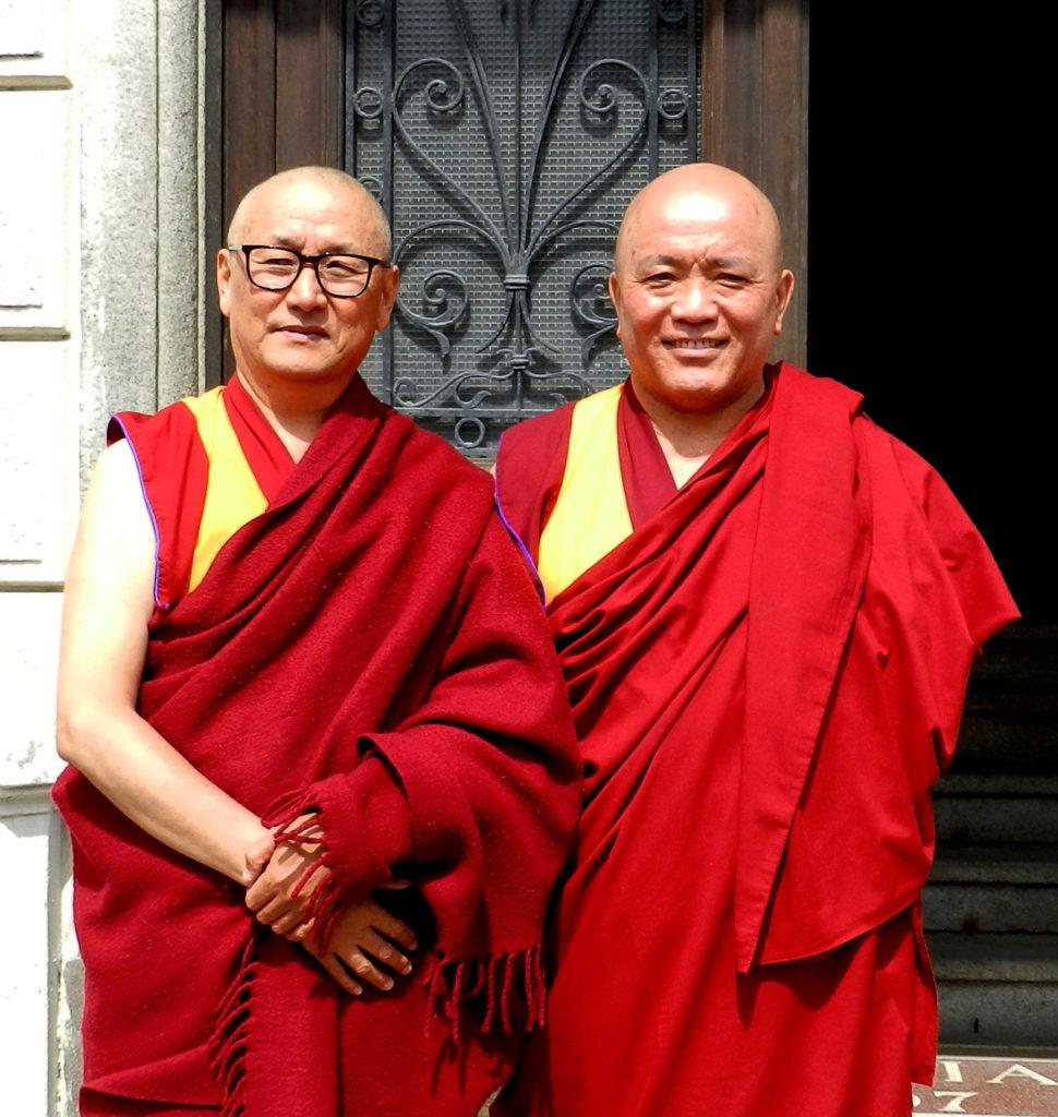 Geshe Tenzin Tenphel con Geshe Konchog Kyab lo scorso aprile al centro Tara Bianca